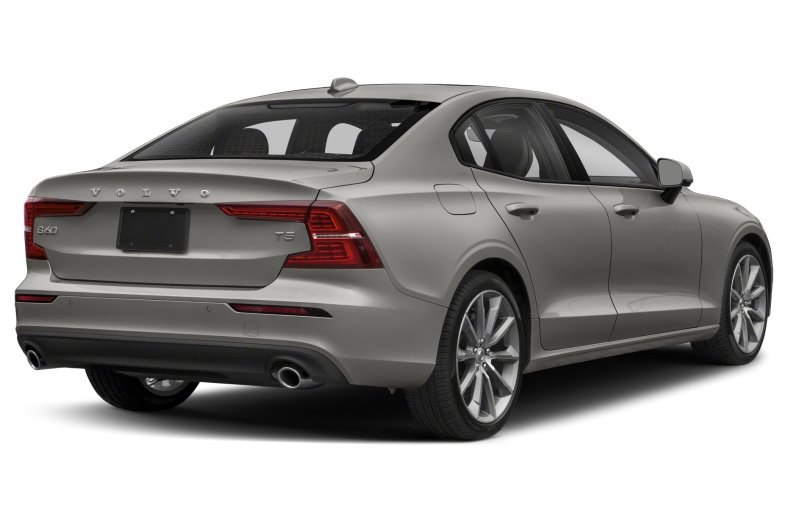 2021 Volvo S 60 T5 FWD  Momentum    7,500/yr    36 mo