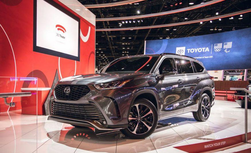 2021 Toyota Highlander  Full size SUV